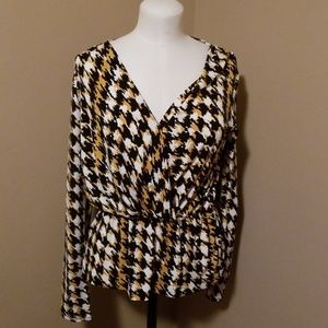 Ann Klein size small top. Like new.